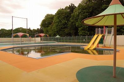 古淵鵜野森公園屋外水泳プール